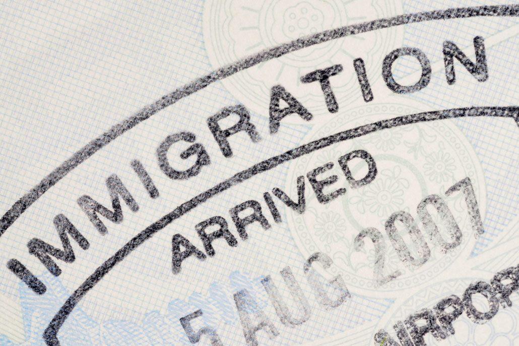 وکیل مهاجرت ، موسسه مهاجرتی ، مشاور حقوقی مهاجرت ، مهاجرت به کانادا ، موسسه حقوقی اریکه عدل